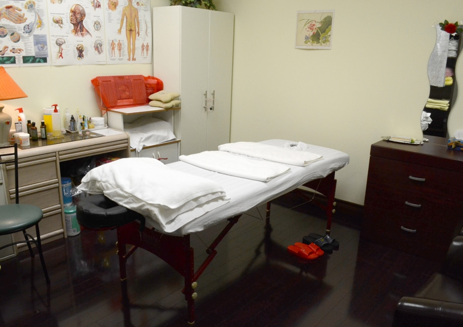Lily Massage Clinic - Registered Massage Therapy Toronto